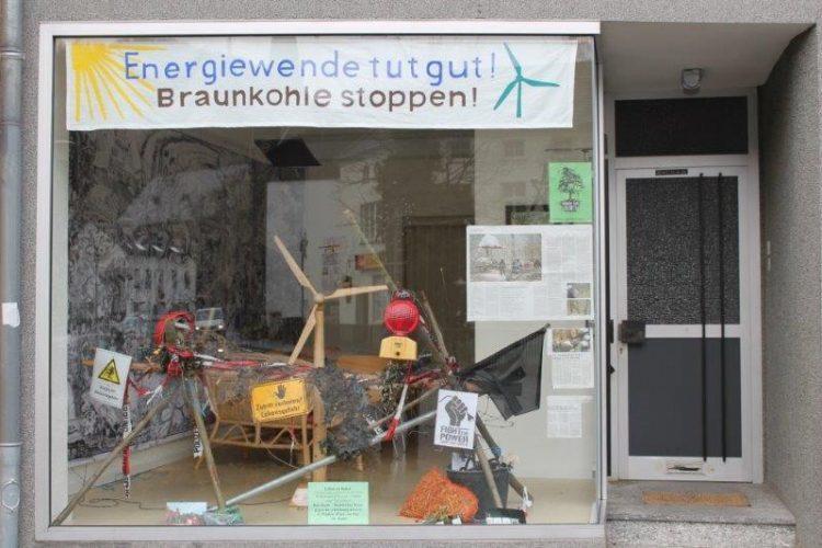 WNV Büro Schaufenster - Banner und Barrikade